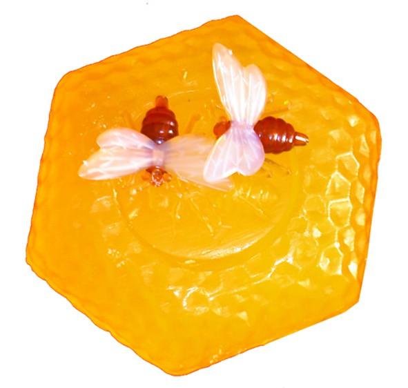 Honig-Limonen-Waben-Seife mit 2 Ansteckbienen